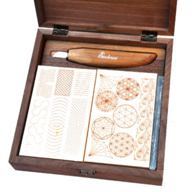 woodcarving-set-in-nutwood-box-with-carving-lessons